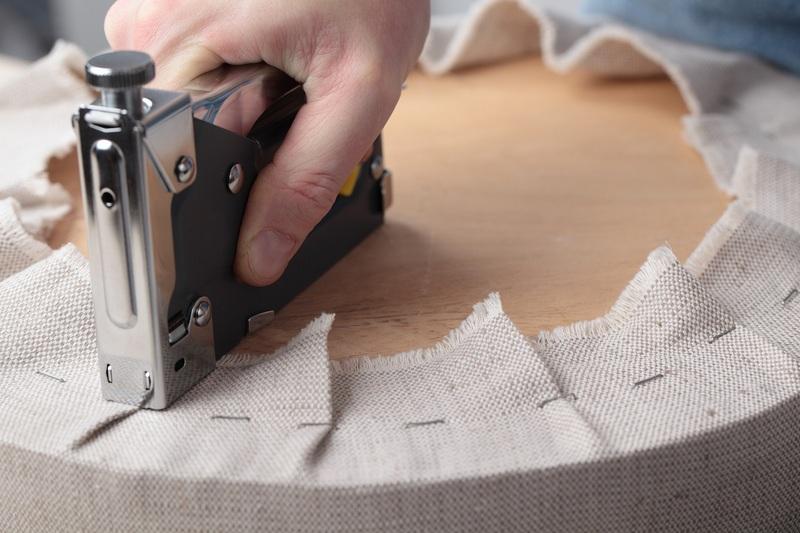 Как менять обивку мягкой мебели